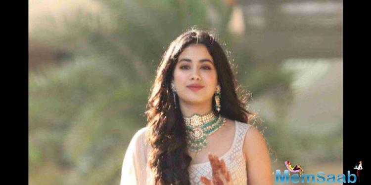 Janhvi will be seen next in Karan Johar's period drama Takht along with Ranveer Singh, Kareena Kapoor Khan, Alia Bhatt, Vicky Kaushal, Anil Kapoor and Bhumi Pednekar.