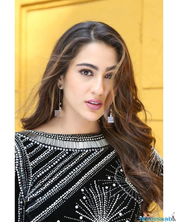 Bollywood's newest member Sara Ali Khan who is currently riding high on the success of her debut film is already grabbing eyeballs as she promotes her next.