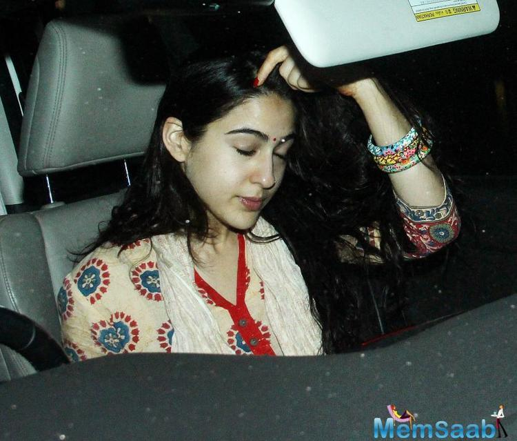 In a very short span of time, Sara Ali Khan has gained an incredible fanbase amongst the youngsters after her debut performance in Kedarnath received an exceptional response.