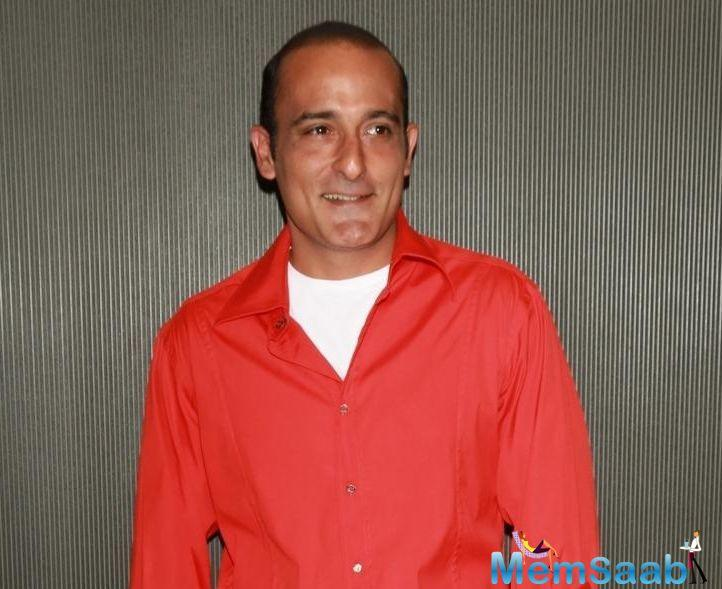 Akshaye Khanna, who does not enjoy parties and events, is happy that the industry has accepted him the way he is, and is no longer inviting him to attend them.