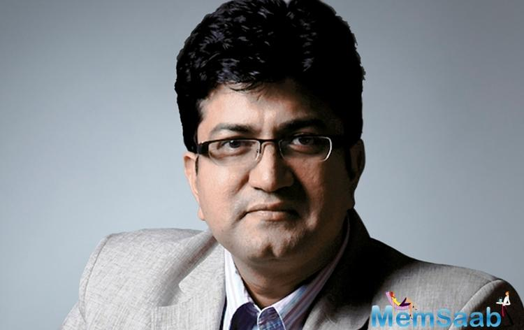 Well known lyricist Prasoon Joshi who has penned the lyrics for Manikarnika is sure people will love to watch the film.