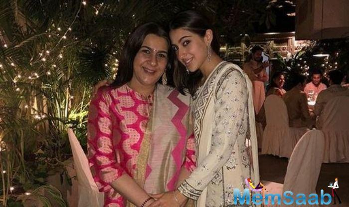 Amrita Singh is undergoing a property dispute. Recently, Singh's daughter Sara Ali Khan accompanied her to the Clement Town police station in Dehradun on Saturday.