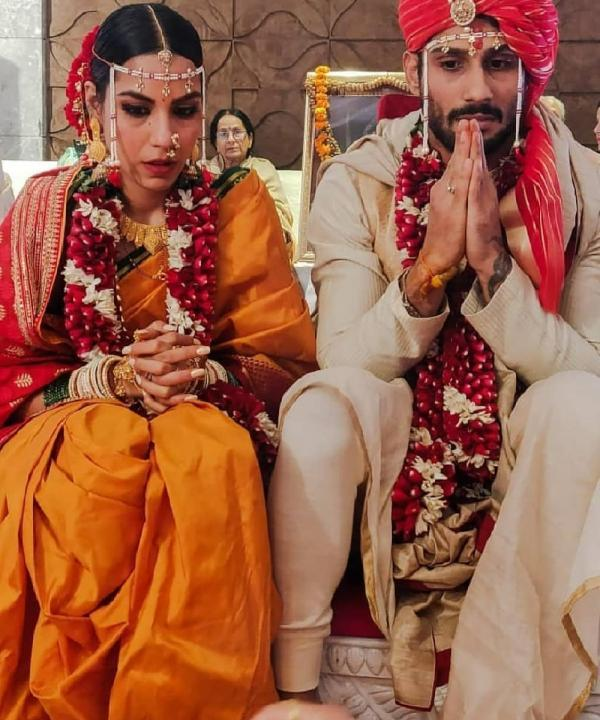 After an eventful 2018 that was filled with weddings, 2019 has begun with a bang. It has been 3 weeks into the new year and we already have another Bollywood star walking down the aisle.