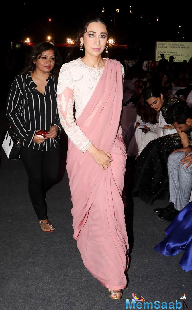 Karisma Kapoor looked every bit elegant in this outfit.