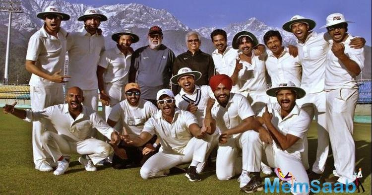A few days ago, Ranveer Singh shared a picture with Kapil Dev, the legend himself is training Ranveer and his team to reprise the 1983 Cricket World Cup win.