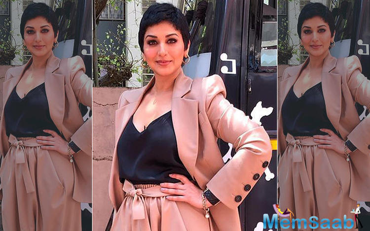 At the recent FICCI event held in Jaipur, Sonali Bendre was being compared to yesteryear actress, Manisha Koirala.So would she like to play the role of a cancer patient like Manisha did in Sanju, playing Nargis Dutt?