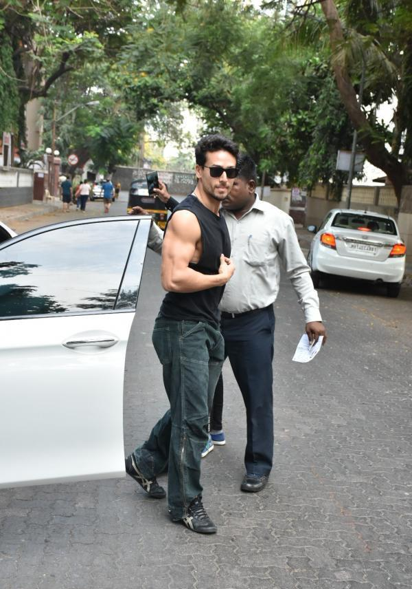 The paparazzi also snapped Tiger Shroff in Mumbai's Bandra area as he stepped out to vote.