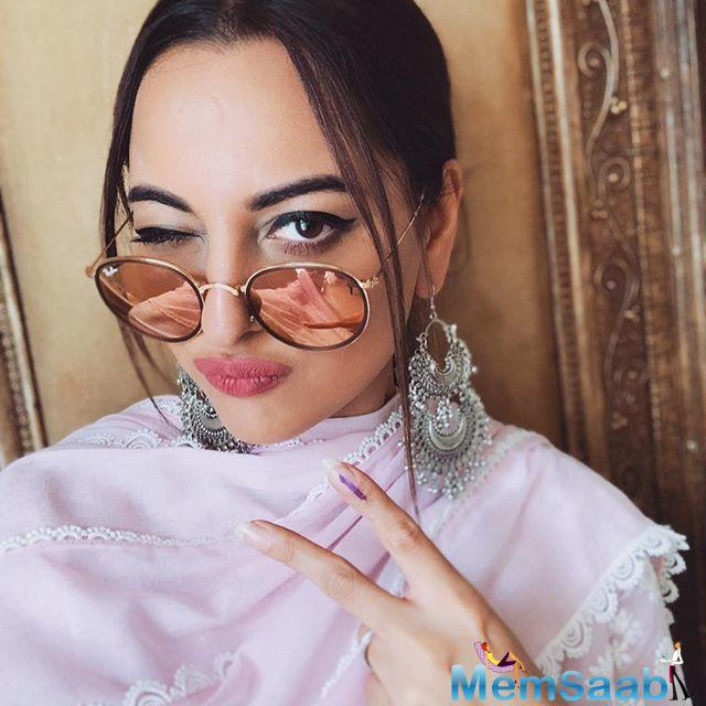 Sonakshi's look as her character Rajjo from the film has also been revealed. The look was received with love from the audience.