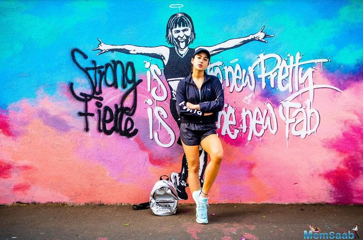 Sara Ali Khan has revealed an unknown talent about hers to the world through her latest Instagram post. The actress has collaborated with a sports brand and created a graffiti art that has an inspiring message for women.