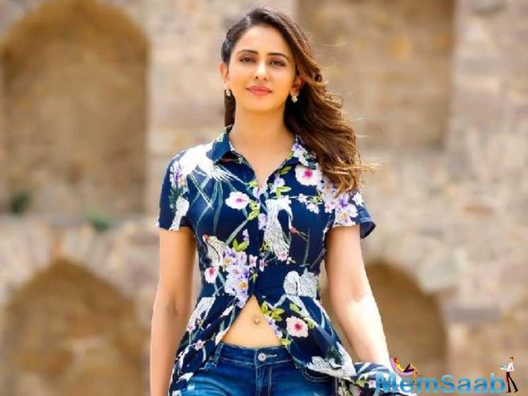 De De Pyaar De was also embroiled in a controversy for casting Alok Nath who was accused in the Me Too movement. Reacting to it, Rakul reiterates what the actors and the makers have already said.