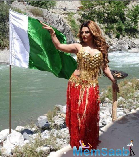 However, the reason behind covering her body with the Pakistan flag is her new film. Yes, according to her Insta post caption, Rakhi is doing a film 'Dhara 370'.