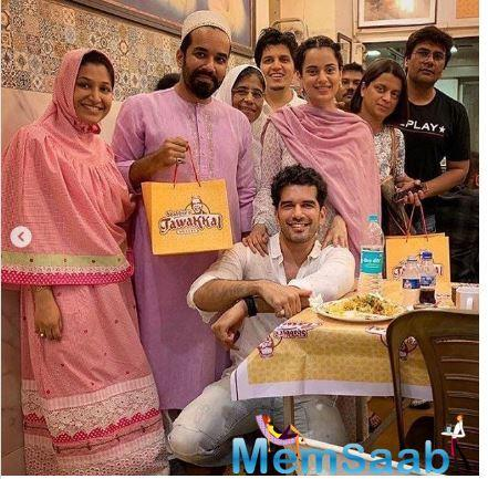 Recently, Kangana Ranaut visited at her 'Manikarnika's' co-star Taher Shabbir's house for the Iftar party. The actress was seen enjoying delicious delicacies with Taher and his close friends and relatives.