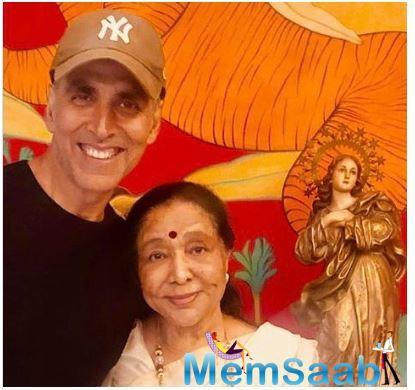 Every Monday we eagerly wait for Friday to arrive and every Sunday evening we fret for Monday mornings. While we all experience Monday blues, Akshay Kumar's idea of Sundaying is the perfect way to end your weekend.