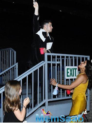 Priyanka Chopra and Nick Jonas gave us major couple goals by recreating an iconic scene from William Shakespeare's 'Romeo and Juliet' but with a twist and it is beyond adorable.