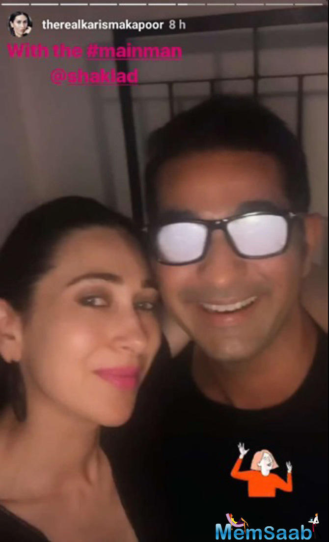 Karisma Kapoor also shared a cute picture of herself with Shakeel, captioning the pic as,