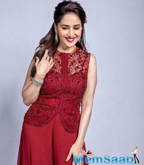 Madhuri Dixit happens to be one of the most beautiful and popular actresses of the Bollywood film industry. The actress who is currently in her 50s, is still able to mesmerize her fans with her utter beauty.