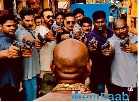 Looking at these glimpses it seems that team 'Sooryavanshi' is having a lot of fun on the sets under the direction of Rohit Shetty.