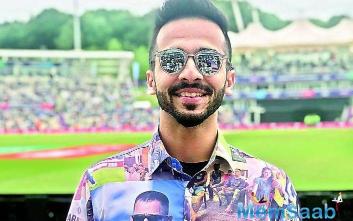 Fan Divyang Shroff flaunted a special shirt celebrating Dhoni's achievements