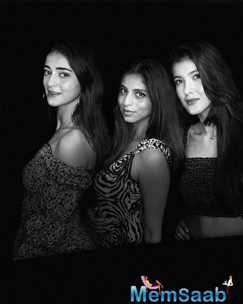 Ananya has recently shared a black-and-white picture with her girlfriends on her Instagram account.
