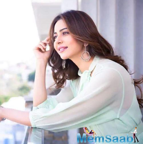 After De De Pyaar De with Ajay Devgn, Rakul Preet Singh has now pinned her hopes on her Telugu film, Manmadhudu 2, which sees Nagarjuna as the co-star.