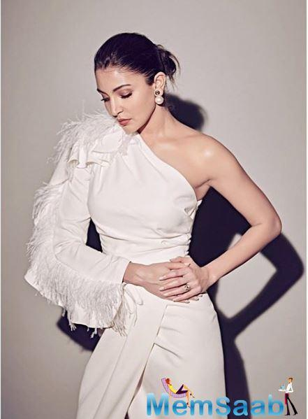 In an interview with Filmfare, Anushka Sharma has revealed why she married Virat Kohli at the age of 29. The Pari actress says that she was in love with Kohli and felt it right.