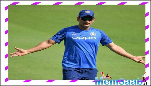 After India's exit from the ICC world cup Dhoni faced wide criticism but he also had a large number of supporters. Lyricist Javed Akhtar and singer Lata Mangeshkar even requested Dhoni not to go into retirement right now.