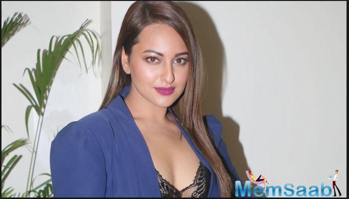 Sonakshi, daughter of actor-politician Shatrughan Sinha and Poonam Sinha, went on to reveal that she was in a relationship with someone from the industry.