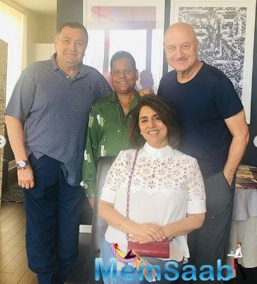 Now, Rishi with his wife Neetu Kapoor recently had lunch with Anupam Kher at the latter's apartment in New York.