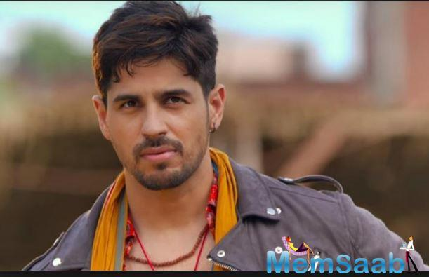 The dashing Sidharth Malhotra is no stranger to dating rumours. The actor, who has been linked with almost every single female co-star that he has worked with, has somehow never 'officially' dated anyone.