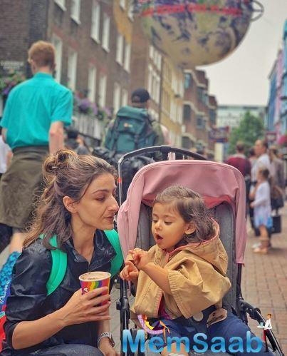 """Mommy Soha Ali Khan shared the boomerang video on Instagram wherein Inaaya is doing bhangra and dancing with both her hands raised, as Soha wrote, """"Bhangra at Trafalgar Square."""""""