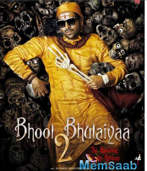 One of the first horror comedies of Bollywood, Bhool Bhulaiyaa revolved around a couple, essayed by Vidya Balan and Shiney Ahuja, who move to their ancestral palace.