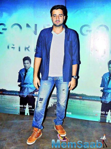 Siddharth, who faced a huge setback with the failure of Ranbir Kapoor and Priyanka Chopra starrer Anjaana Anjaani, says it is unfair to put the complete blame on the director when a film fails.