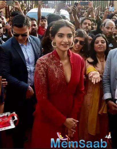 """A source close to the actress reveals, """"It was Sonam's idea to do this. As a part of the prep for the role, she briefly studied about horoscope reading and understanding the profession better."""