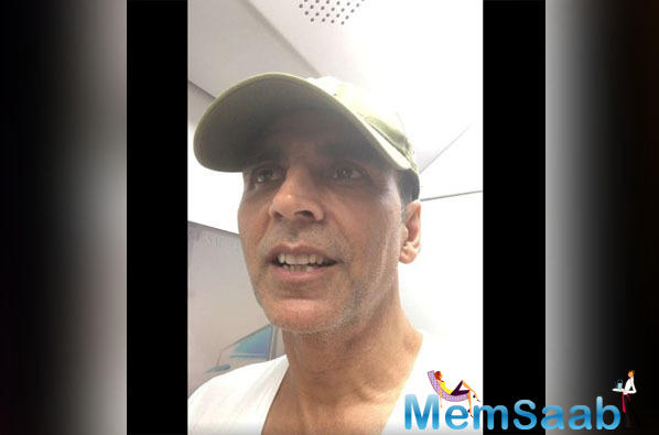 Not only this, but Akshay also shared a video on social media to share his experience with the fans on how he got stuck in a jam and decided to take the Mumbai Metro.