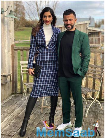 Not just Anand, Sonam too was missing hubby as yesterday, Sonam Kapoor too took to Instagram to share a picture with Anand, saying that she misses him.