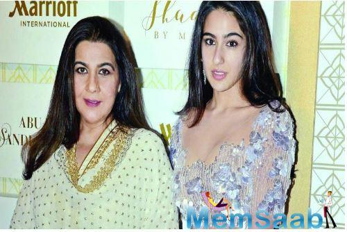 Sara Ali Khan who is busy shooting for her upcoming film 'Coolie No. 1' alongside Varun Dhawan took some time off from her hectic schedule to spend time with mother Amrita Singh.