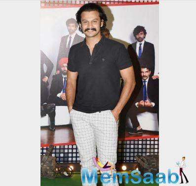 Marathi actor Adinath Kothare, who plays Dilip Vengsarkar in the film, was all smile as he posed for the photographers at '83 wrap up bash in Bandra.