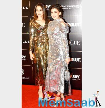BFFs Gayatri Joshi and Sonali Bendre shimmered their way to the awards ceremony together.