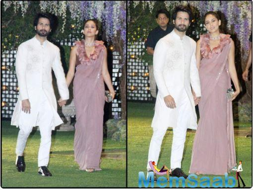 In the photos, Shahid was seen wearing an embroidered off-white sherwani teamed up with matching pants and black shoes while Mira looked gorgeous in a lavender coloured designer saree.