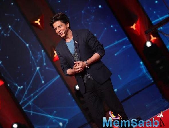 Rumour has it that after Shah Rukh Khan met South director Atlee regarding the March dates of his film, Khan is also talking to Rajkumar Hirani for April dates for his next venture.