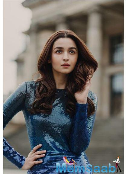 Alia Bhatt will make her maiden entry in the Sanjay Leela Bhansali world with his next directorial Gangubai Kathiawadi.