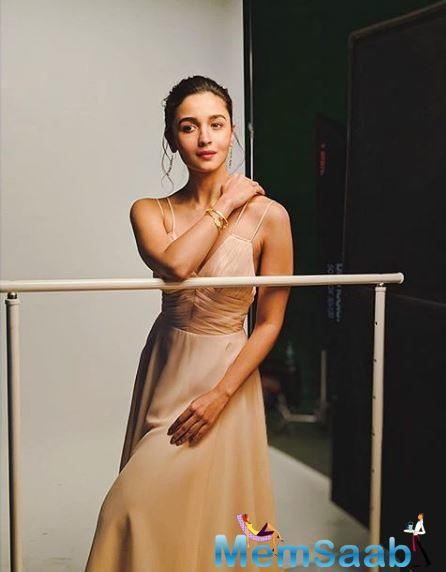 If Alia Bhatt thought that the Padmaavat sets had a lot of splendour to it, she was stunned when she entered the sets of his upcoming venture at Mumbai's Film City starring her — Gangubai Kathiawadi.