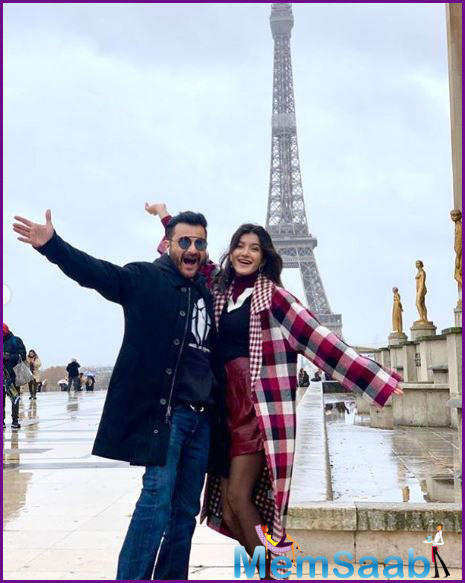 In the pictures, the father-daughter duo is seen posing cheerily in front of the Eiffel Tower.