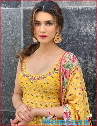 When asked what are her favourite films made by Ashutosh Gowariker, Kriti replied,