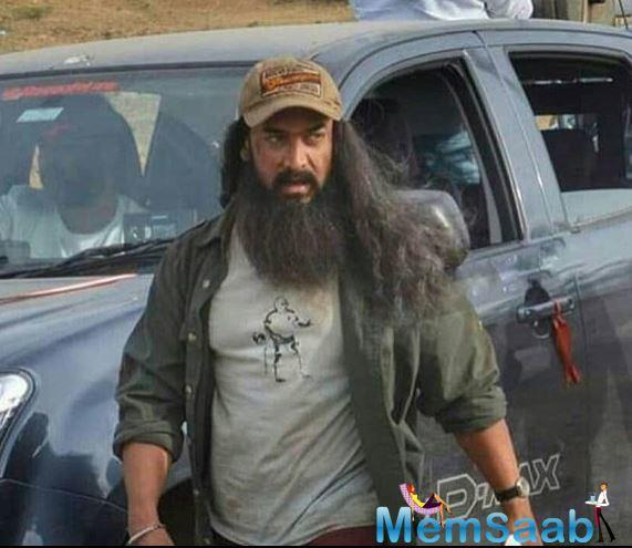 His new look which has resurfaced on the internet showcases Aamir in a rough and messy avatar. His look is similar to one of the looks Tom Hanks sported in Forrest Gump, the 1994 classic of which Laal Singh chaddha is a remake of.