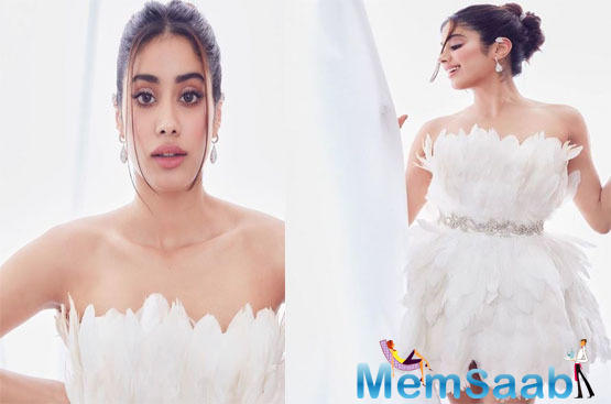 Just like a true Bollywood diva, Janhvi Kapoor brought on her best looks for the camera as she posed with her bestie Orhan Awatramani for a fun and casual shoot.
