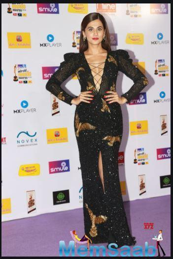 Taapsee Pannu made many heads turn at the Mirchi Music Awards as she stunned in a beautiful black ensemble.