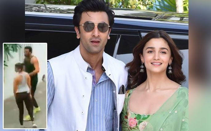 Alia and Ranbir were seen wearing sleevless tees and black pants paired with sports shoes