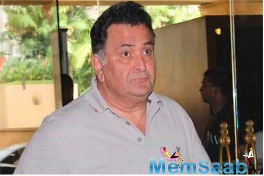 Now, Rishi Kapoor took to his Twitter account to express his anger over the people who are not abiding by the law during this tragic situation.