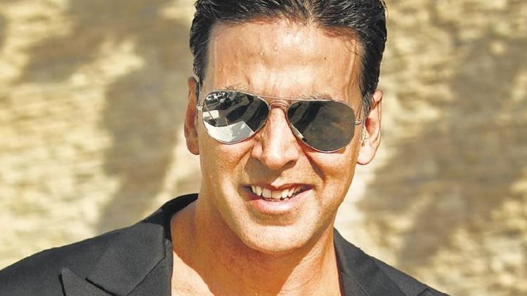 Yes, I was in love with my teacher and I think everyone finds their first love in their teachers: Akshay Kumar